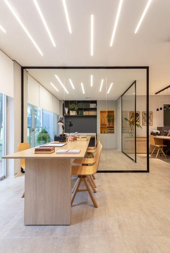 Divisórias de vidro para escritório moderno