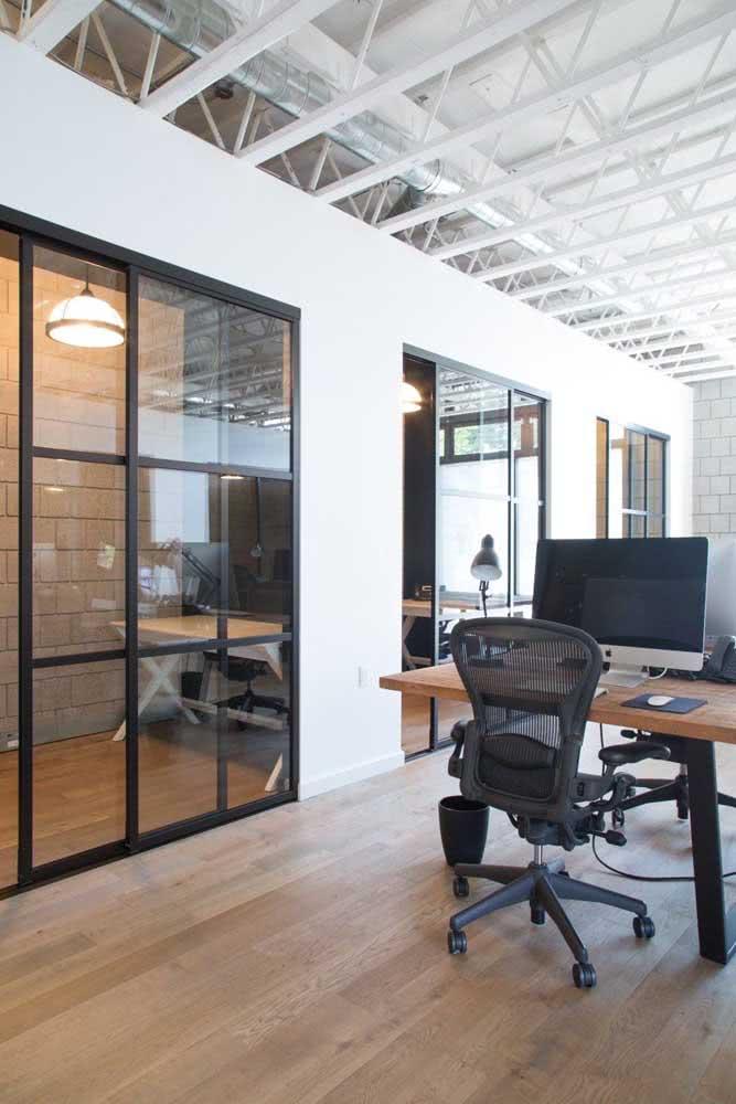 Divisórias para escritório de vidro com estrutura de ferro