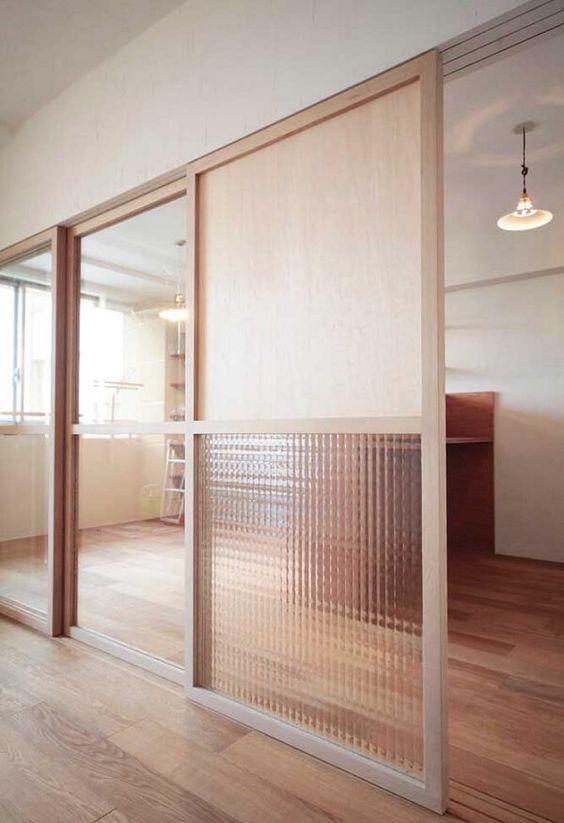 Divisórias para escritório de vidro e madeira são lindas