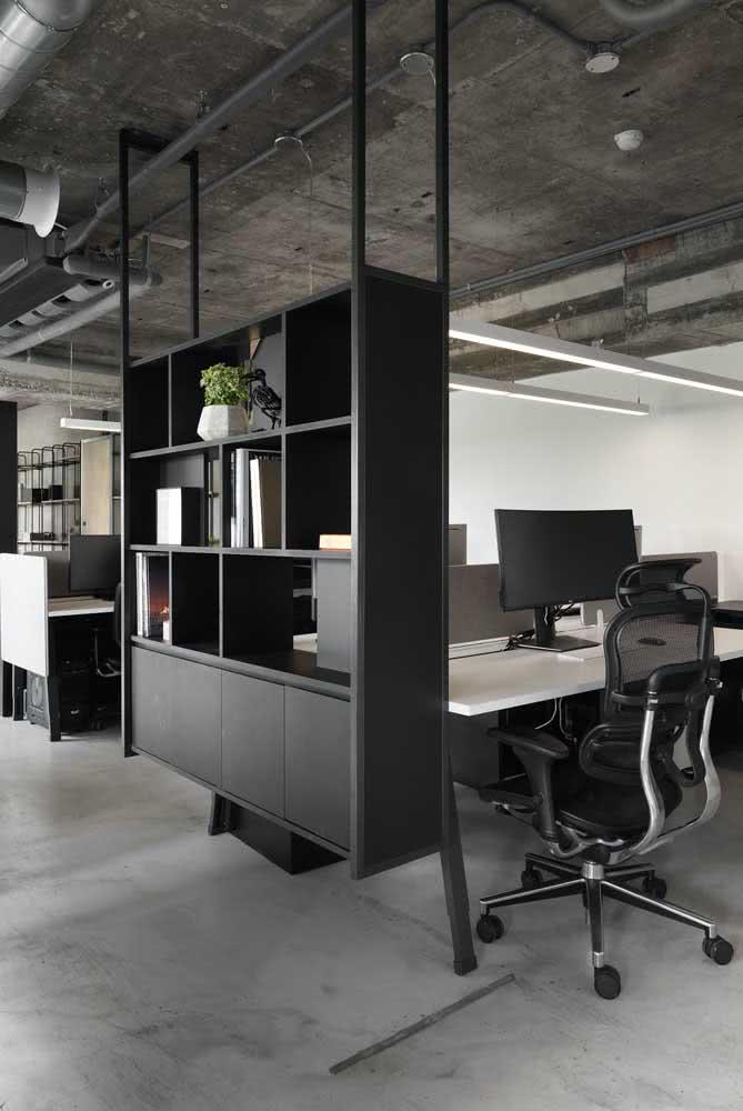 Divisórias para escritório preto com armários