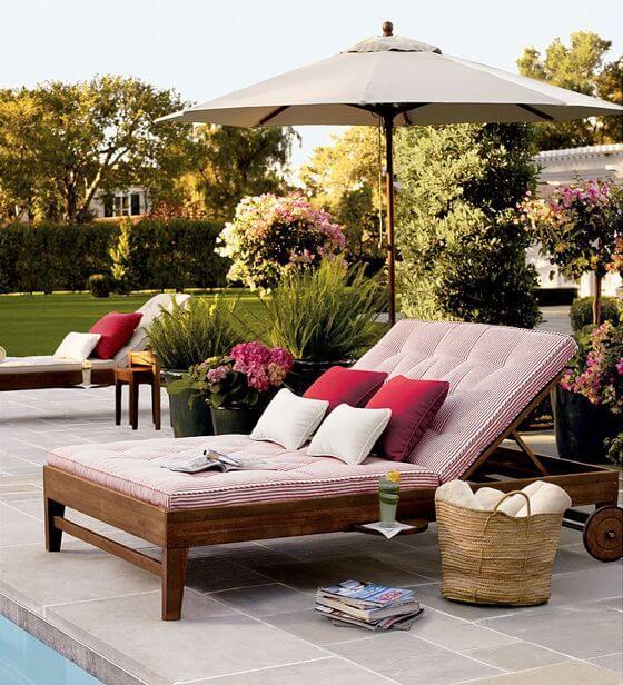 Guarda sol para piscina com sofá confortável