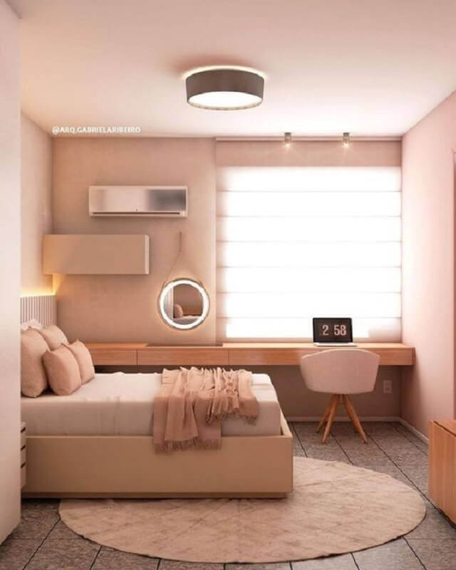 bancada de madeira para decoração em cores neutras para quarto planejado com escritório Foto Pinterest