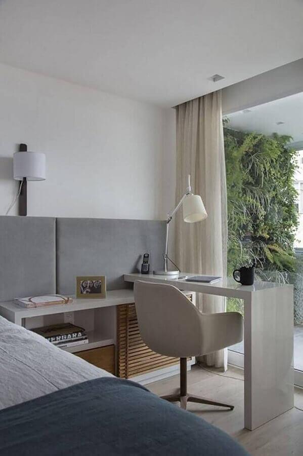 bancada pequena planejada para decoração de quarto de casal com escritório Foto Pinterest
