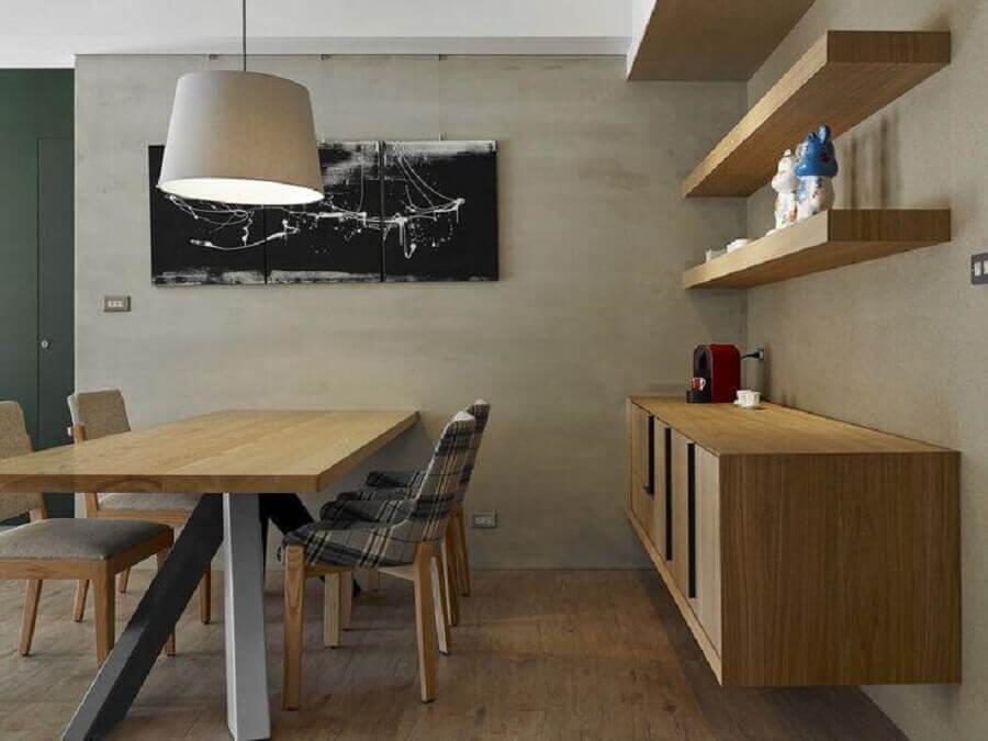 buffet de madeira suspenso para decoração de sala de jantar com parede cinza  Foto Architizer