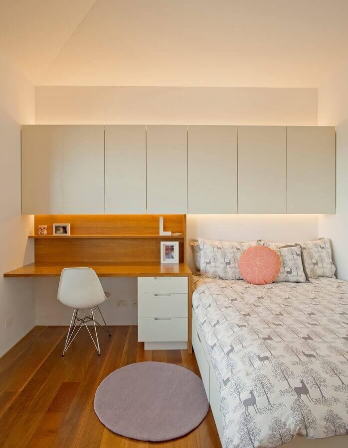 decoração simples para quarto com escritório Foto Houzz