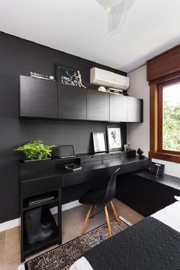 decoração simples para quarto preto com escritório Foto Pinterest