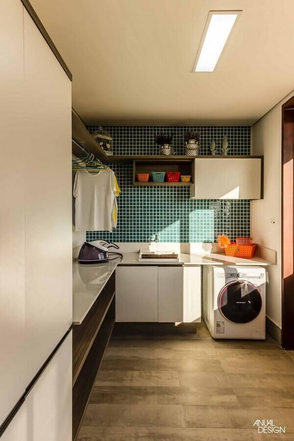 pastilha de vidro adesiva para lavanderia planejada Foto Anual Design