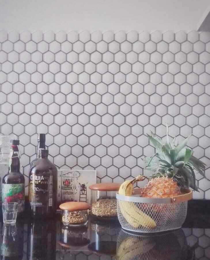 pastilhas de vidro em formato hexagonal Foto Maria Cristina Kreutz