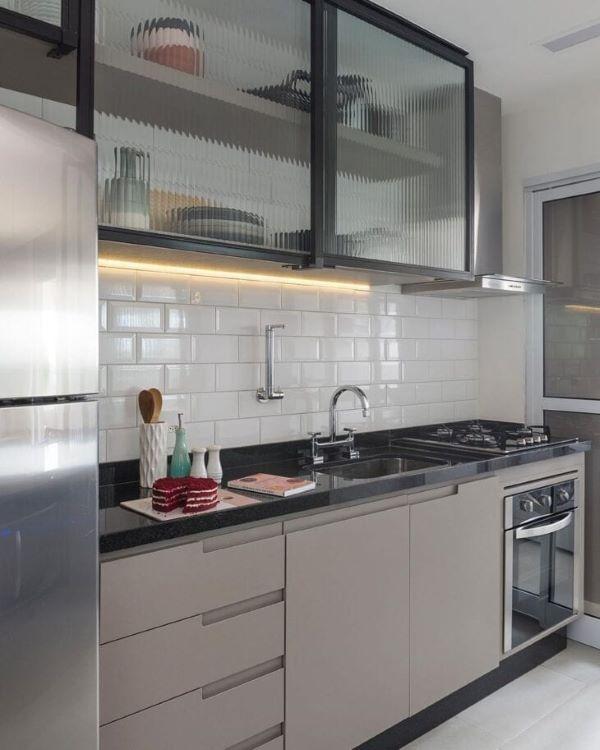 Armário de vidro para cozinha moderna