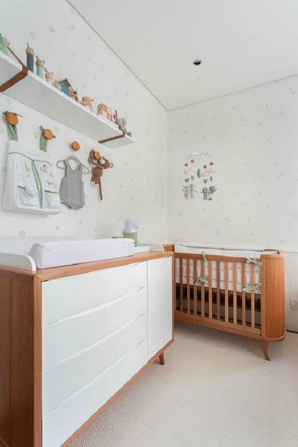 Berço cor de madeira para decoração de quarto de bebe branco Foto Duas Arquitetura