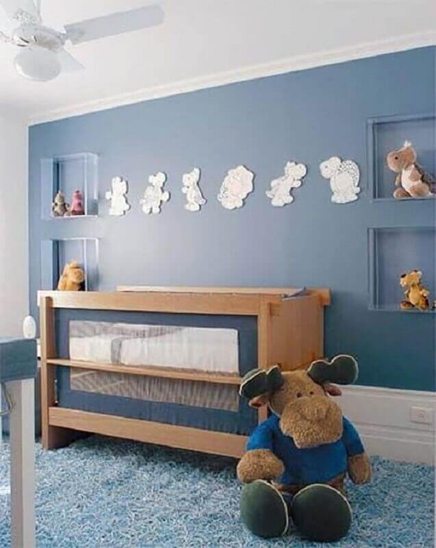 Berço de madeira moderno para decoração de quarto de bebê azul Foto Dcore Você