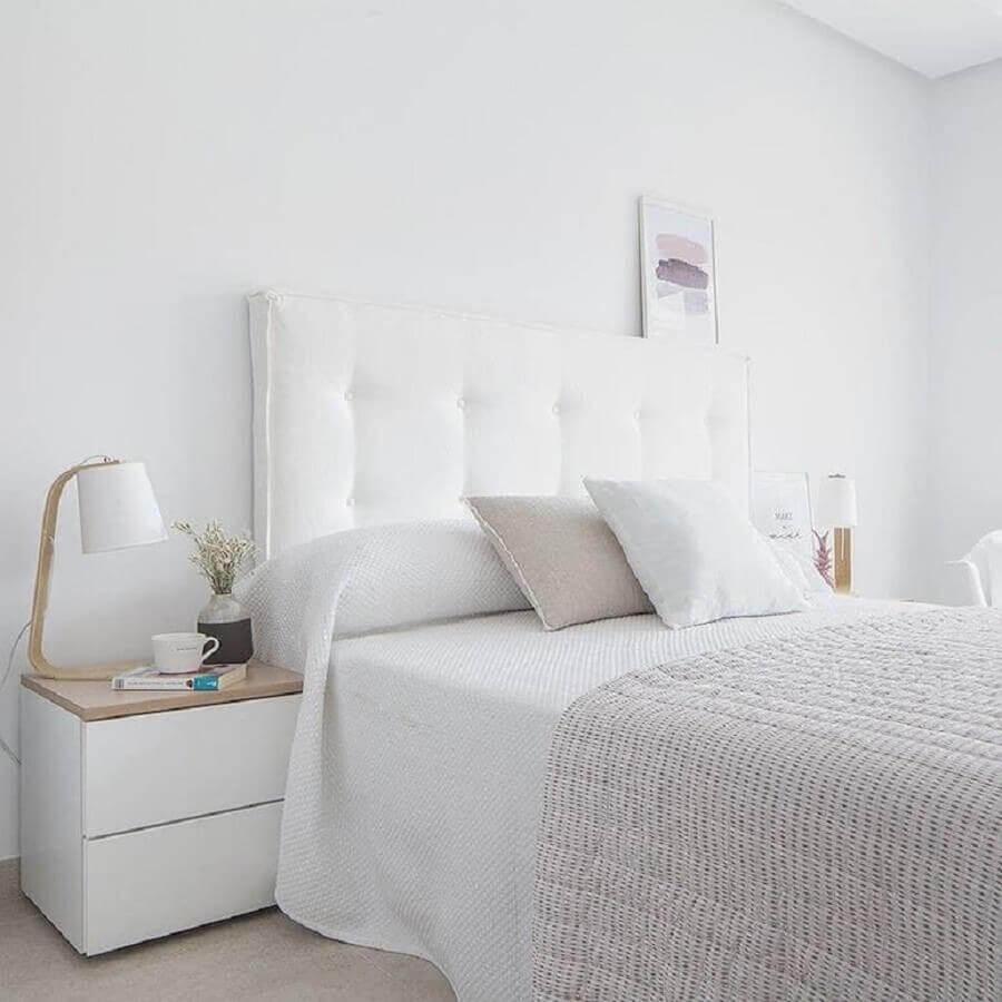 Cabeceira para cama box estofada para decoração de quarto branco Foto Kenay Home