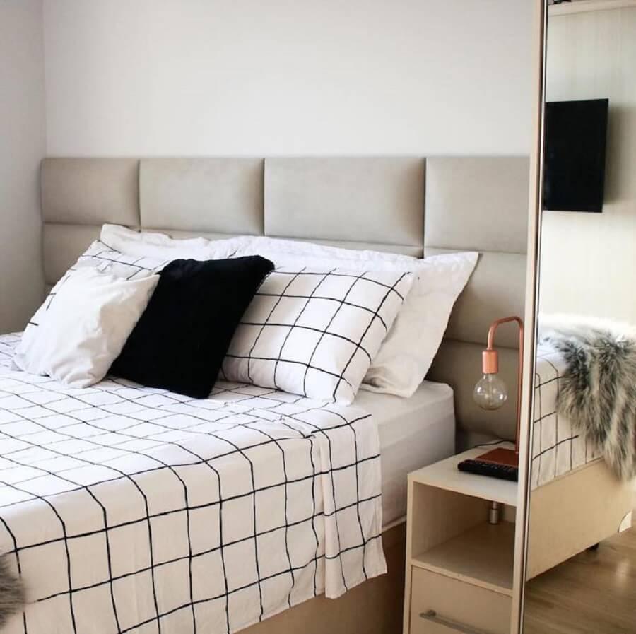 Decoração clean para quarto com cabeceira de cama box planejada estofada Foto Apartamento 164