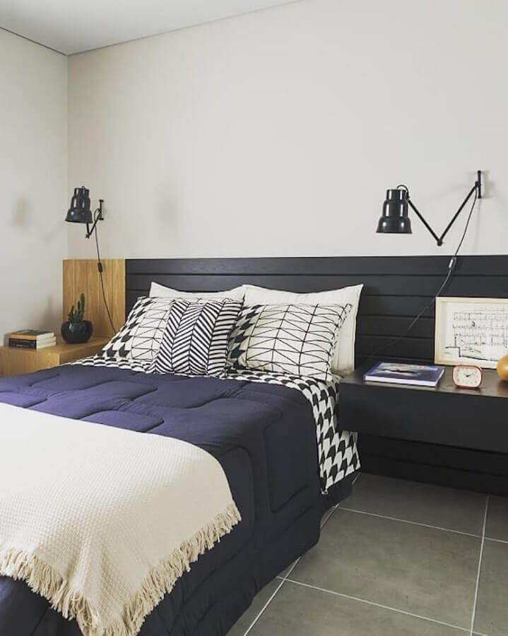 Decoração de quarto com cabeceira de camas box casal planejada Foto Rodrigo Martins Interiores