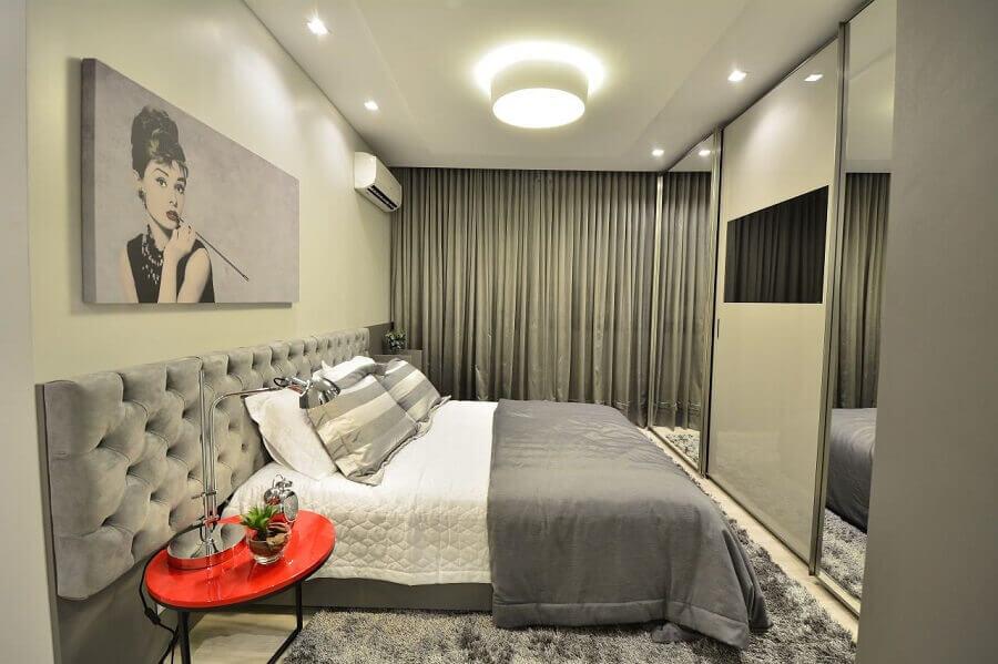 Ideias de cabeceira de camas box para quarto cinza sofisticado Foto BG Arquitetura
