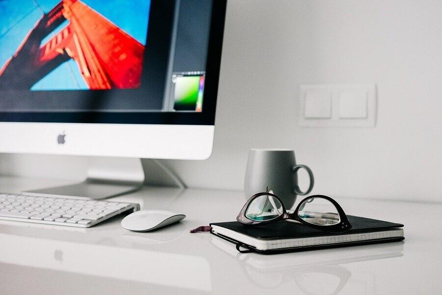 Decoração de home office minimalista Foto Pixabay