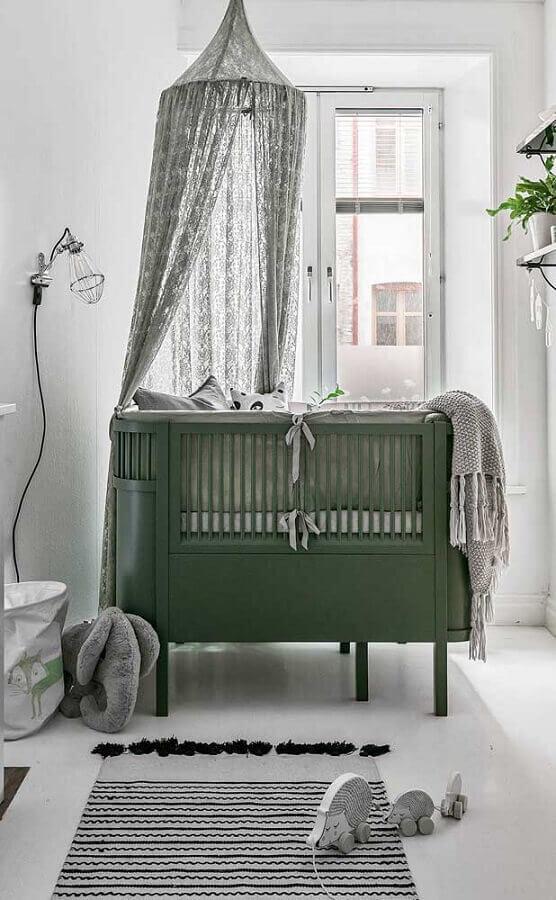 Berço com dossel para decoração de quarto de bebê minimalista Foto Apartment Therapy