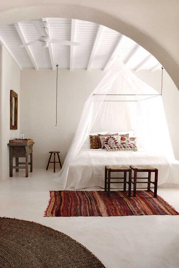 Dossel com mosquiteiro para decoração de quarto de casal simples Foto Behance