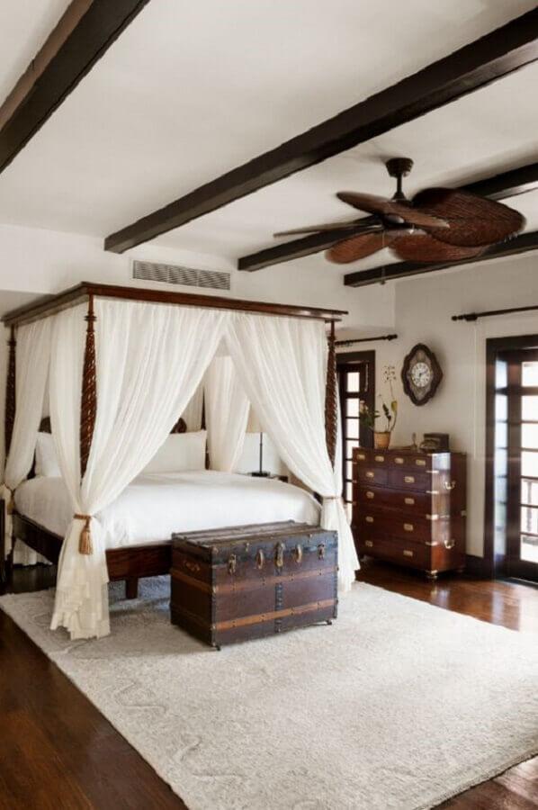 Decoração de quarto grande com dossel para camas de casal Foto Home Fashion Trend