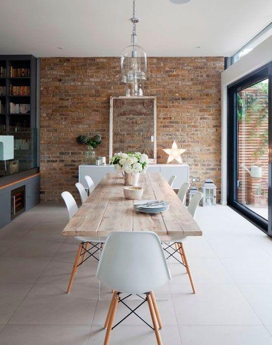 Sala de jantar com mesa eiffel de madeira para 8 lugares