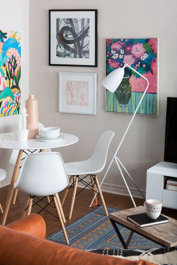Conjunto de mesa eiffel na sala de jantar moderna