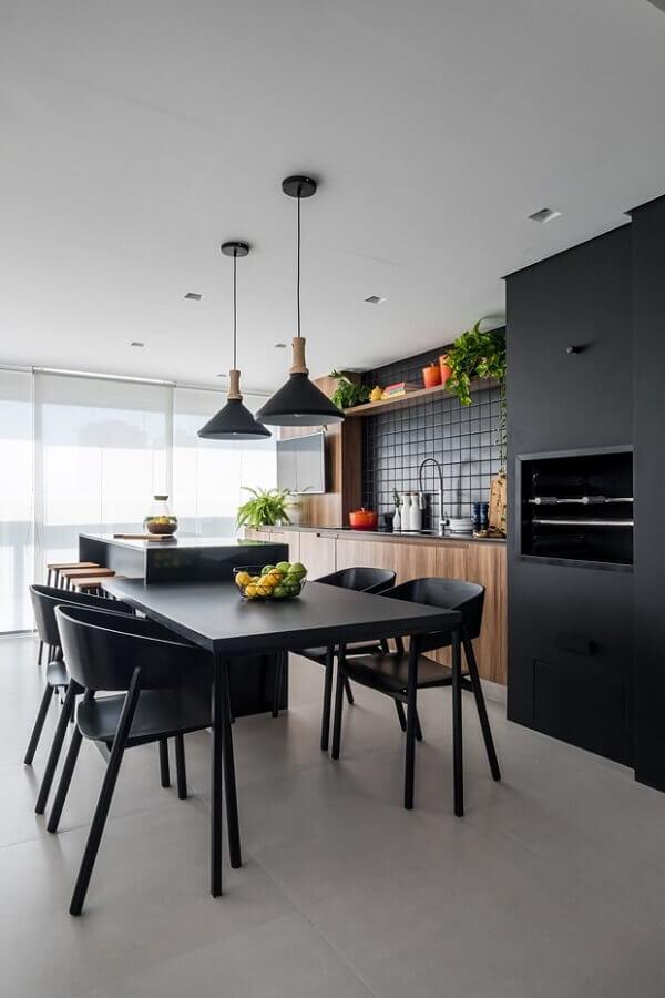 Revestimento preto para decoração moderna de área gourmet com churrasqueira Foto Home Fashion Trend