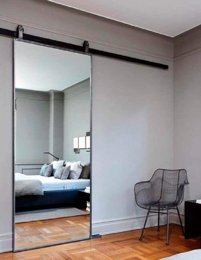 porta de quarto espelhada