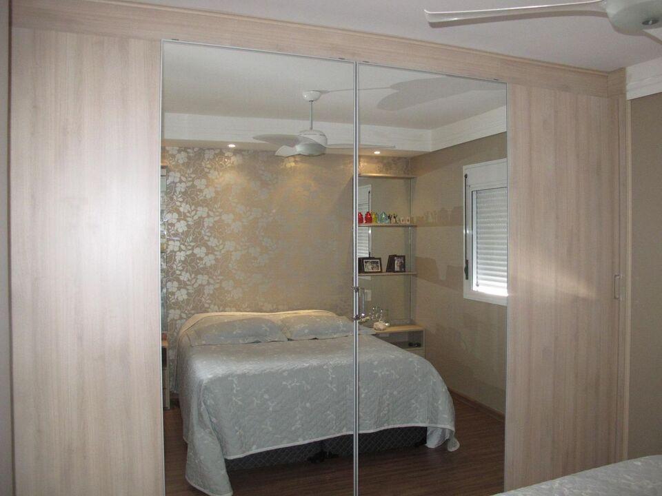 espelho para quarto - quarto de casal com guarda roupa de espelhos