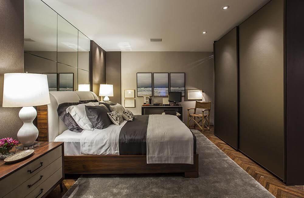 espelho para quarto - quarto com tapete cinza