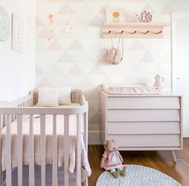 Cômoda gaveteiro para quarto de bebê feminino decorado em cores claras Foto Ameise Design