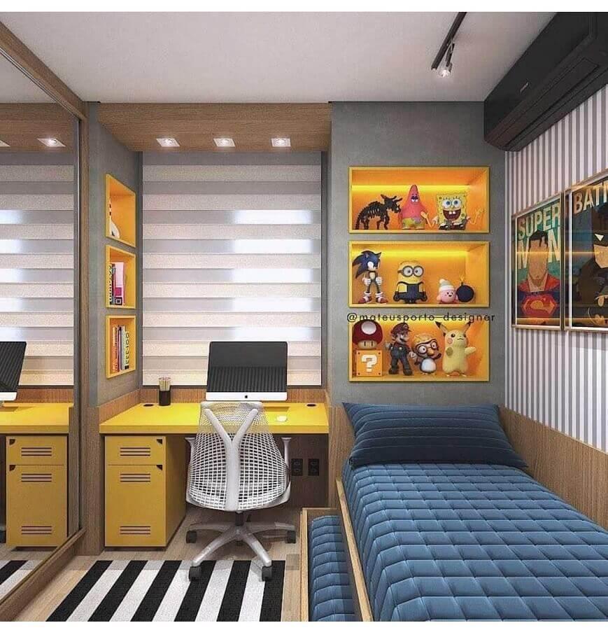 Decoração moderna com gaveteiro para quarto de solteiro com escrivaninha Foto Magz House