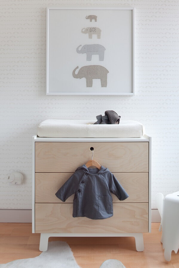 Gaveteiro pequeno para quarto de bebe decorado em cores claras Foto Houzz
