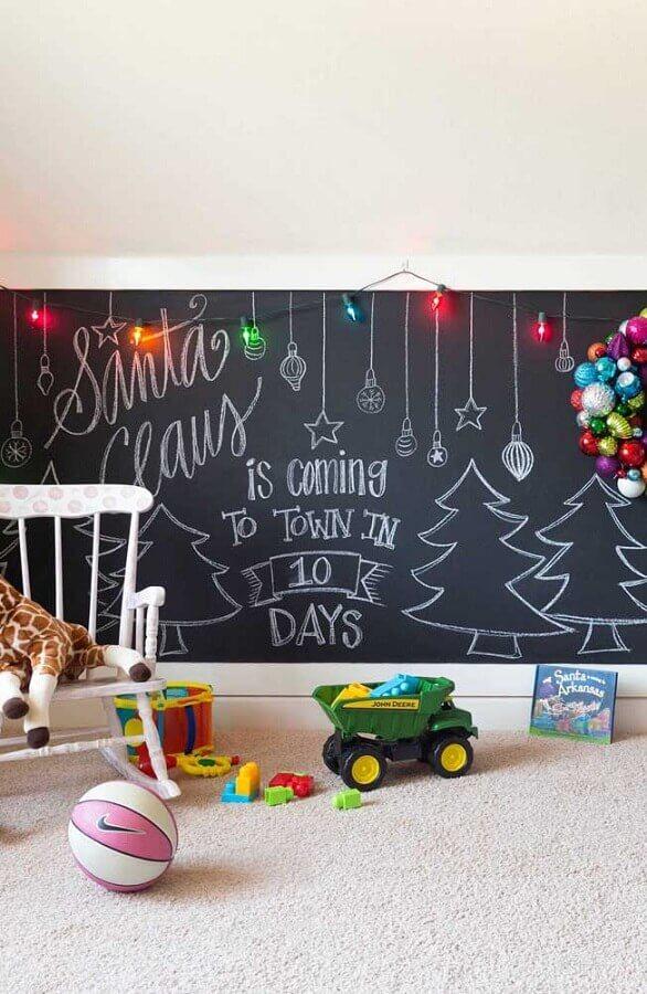 Luzes de Natal coloridas para decoração de cantinho de brincar Foto Decor Fácil