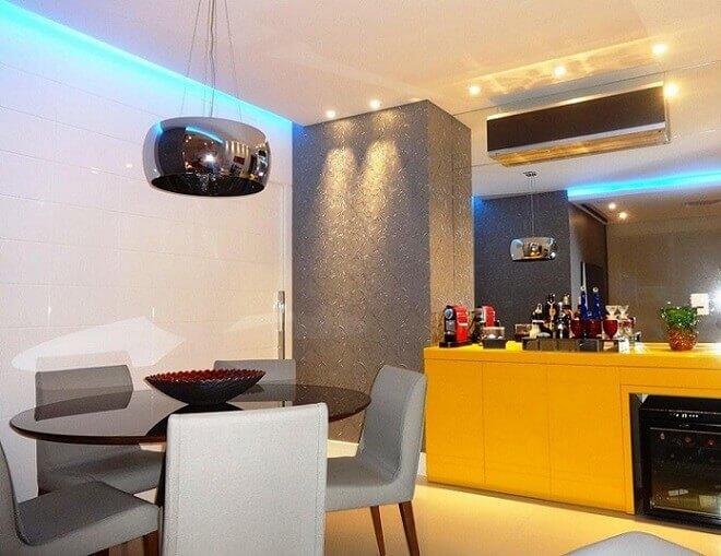 Sala de jantar com papel de parede 3D cinza Projeto de lvale