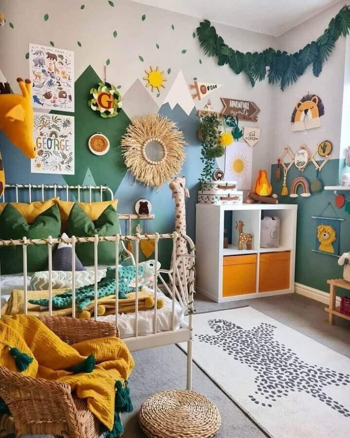 Decoração com tema safari para quarto colorido infantil simples Foto Decor Fácil