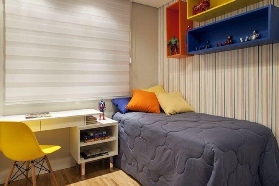 Decoração simples para quarto colorido de solteiro Foto Carolina Vilela