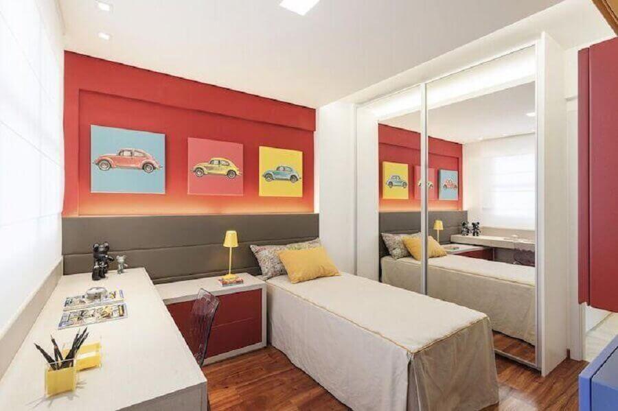 Móveis planejados para decoração de quarto colorido de solteiro pequeno Foto Eduarda Corrêa