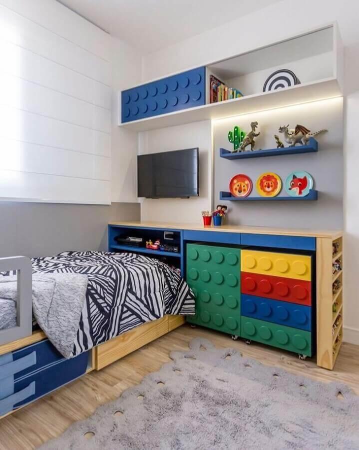 Quarto colorido infantil decorado com moveis divertidos Foto Uebaa Design